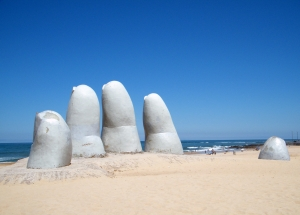 The Hand (1982), sculpture by the Chilean artist Mario Irarrázabal located in Punta del Este (Uruguay)